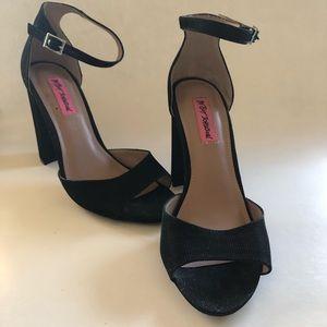 Betsy Johnson Black Sparkle Jess Heel Size 9